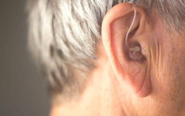 La pérdida de audición puede estar relacionada con la depresión